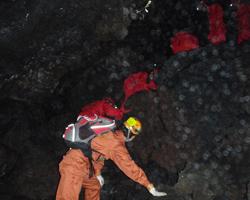 樹海洞窟探検